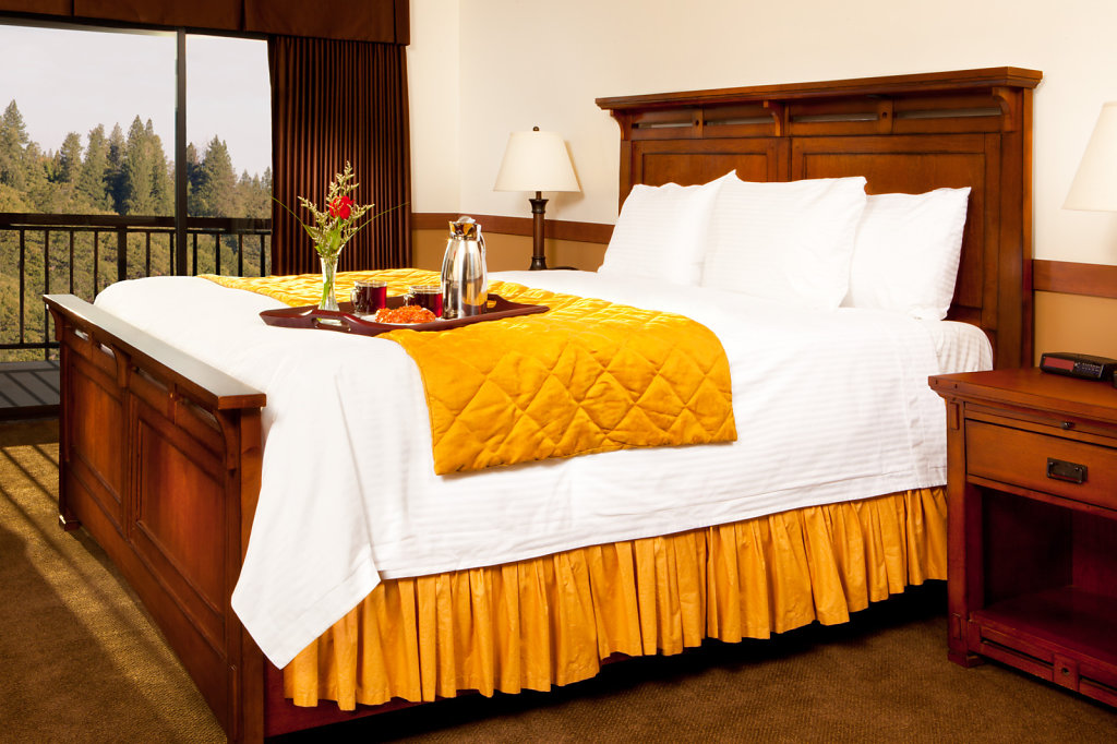 Bedroom at Casino hotel with mountain view