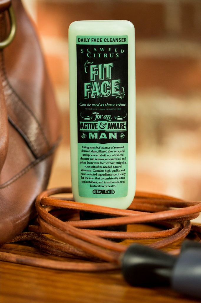 Mens' daily face cleanser