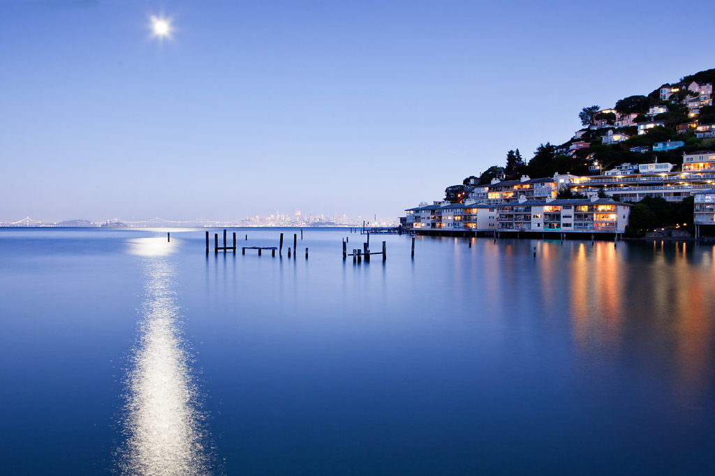 Evening in Sausalito under full moon with San francisco in background